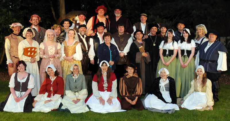Full Cast Merry Wives